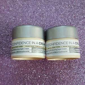 Brand New It Cosmetics Confidence in a Cream duo